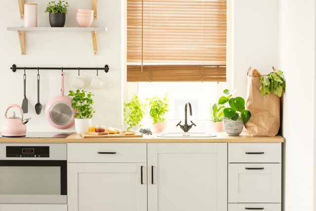 4 Cheap And Easy Ways To Give Your Old Kitchen A New Shine
